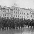 nemeckí vojaci na námestí
