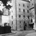 Matejov dom v areáli mestského hradu. Pre účely mestského múzea bola budova zrenovovaná v rokoch 1908 - 1909