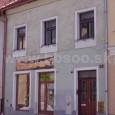 v dome pravotára Dr. Arnošta Szighetyho v Lazovnej ulici č. 22, bol prevádzkovaný dámsky módny salón