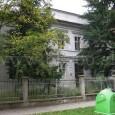 dom na Skuteckého ulici č. 33 (pôvodne budova posádkovej nemocnice v areáli kasární)