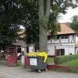 budova hostinca Tscherne po Urpínom (pôvodne Svätojánsky rad č. 4), dnes objekt spravuje Slovenský červený kríž, územný spolok Banská Bystrica, istý čas slúžil aj ako školská jedáleň.