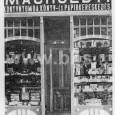 výkladná skriňa obchodu F. Macholda na Hornej ulici č. 18