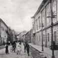 Lazovná ulica v roku 1917 (pohľad od budovy dnešnej Štátnej vedeckej knižnice smerom na námestie)