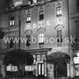 budova hotela Wagner na Námestí SNP č. 17 - nočný záber