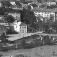 Horný most pod Mäsiarskou baštou bol za II. svetovej vojny odstrelený a nahradený provizórnym dreveným mostom, ktorý slúžil až do regulácie Hrona. Na zábere vidno ešte zbytky pilierov pôvodného mosta.
