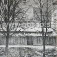 opevnenie v južnej časti mesta ( v pozadí budova Fakulty medzinárodných vzťahov)
