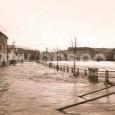 1931 - záber z povodne (naľavo dôstojnícka bytovka pod Mäsiarskou baštou - asanovaná v roku 1969, v strede záberu v pozadí obytné domy na ulici ČSA, vpravo objekty bitúnku - dnešný priestor medzi pamätníkom SNP a hotelom LUX)