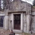 neorománska hrobka na katolíckom cintoríne