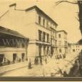 budova rímsko - katolíckeho gymnázia na Hornom Námestí (namiesto domu v ľavej časti záberu dnes stojí dom potravín)