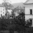 záber z balkóna domu na Kuzmányho č. 2 (vľavo budova YMCA, dnes rektorát UMB a napravo bočné krídlo budovy bývalého dievčenského gymnázia)