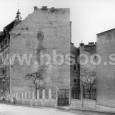 Kukučínova ulica, preluka medzi Porges palotou a bývalou SPŠ stavebnou je dnes zastavaná bytovým domom (rok 1954)