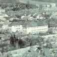 pri prestavbe v roku 1899 nadstavali bočné krídla budovy o jedno poschodie
