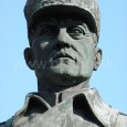 socha gen. M. R. Štefánika - detail (autorom sochy je významný český sochár Otakar Španiel)