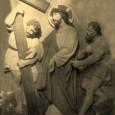 výjav II. zastavenia Krížovej cesty - Pán Ježiš berie kríž na svoje plecia