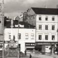 pohľad na hodinovú vežu, dom č. 25 na Námestí SNP a dom č. 1 v Kapitulskej ulici