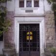vstupný portál do mestskej hrobky