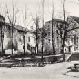Horné námestie (zľava: farská bašta, Matejov dom a kostol Sv. Kríža)