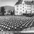 cvičenie v areáli gymnázia Andreja Sládkoviča počas zletu v roku 1936